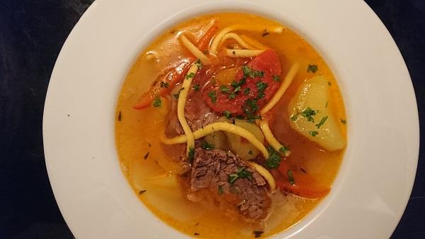 суп из говядины с картофелем