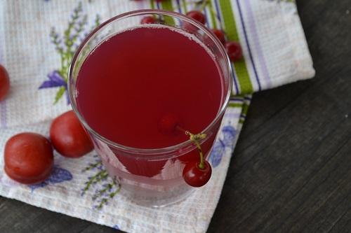 компот из слив и ягод