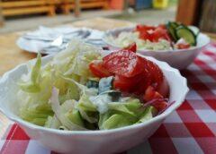 Салат из огурцов и помидоров «Летний»